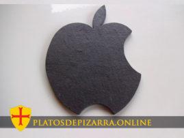 Bandeja de pizarra decorativa y diseño personalizado. Pizarra Apple. Bandeja de pizarra natural diseño especial fabricada en el Bierzo (León).