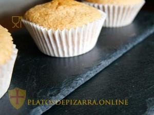 Comprar platos de pizarra fabricados por artesanos de la pizarra del Bierzo (León) con Registro Sanitario. Platos pizarra amazon.