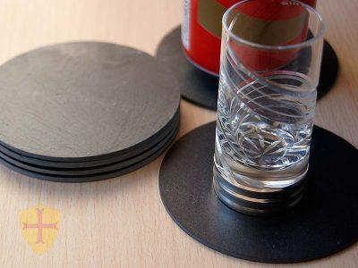 Posavaso redondo pizarra para decoración del hogar. Varios tamaños desde chupito a jarra de cerveza.