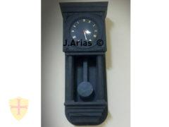 Reloj de pared en pizarra natural. Fabricación artesanal en el Bierzo.