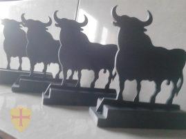 Toros de España en pizarra natural. Toro de Osborne en Pizarra. Regalos de empresa. Trofeos de pizarra natural.
